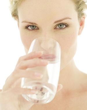 boire trop d'eau serait dangereux pour la santé