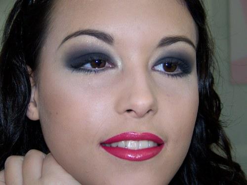 maquillage charbonneux